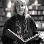 Vicky Arthurs (b&w author photo, 72dpi for web use)